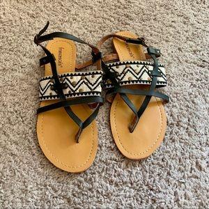 Francesca's black and cream sandal